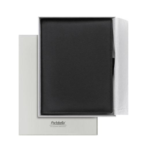 Ежедневник-портфолио Clip, черный, обложка soft touch, недатированный кремовый блок, подарочная коробка, в комплекте ручка Tesoro черная